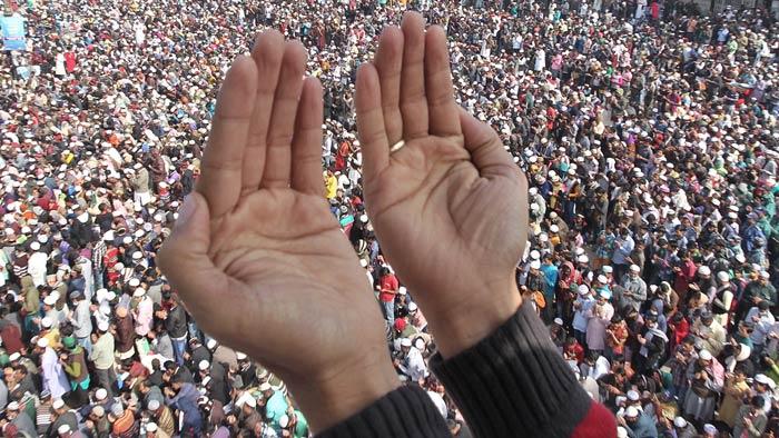 বিশ্ব ইজতেমার শেষ পর্বের আখেরি মোনাজাত আজ