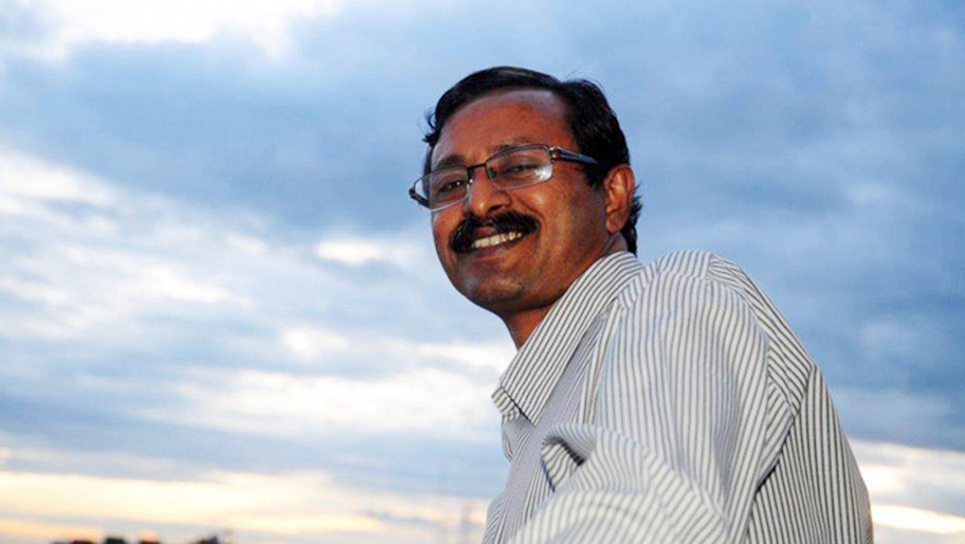 পশ্চিমবঙ্গের 'ঐহিক মৈত্রী সম্মাননা' পেলেন কবি জুয়েল মাজহার